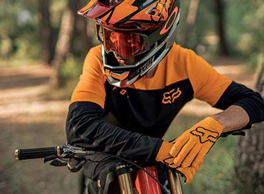 FOX Cykelhjälmar